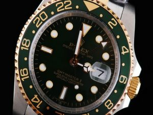 Rolex-GMT-Master-Two-Tone-With-Green-Bezel-Black-Dial-Small-Cale-47_2
